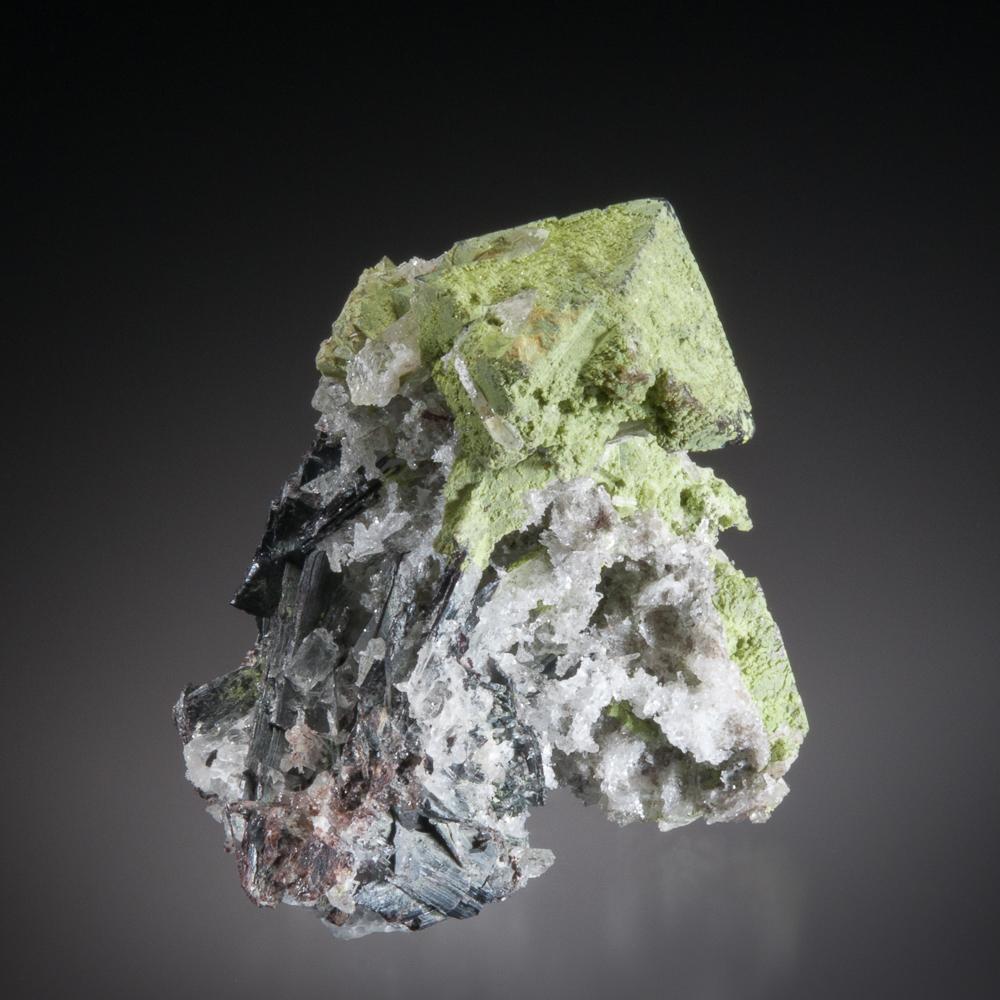 Stolzite on Scheelite, Mundo Nuevo Mine, Huamachuco, Sanchez Carrion Province, La Libertad Dept., Peru