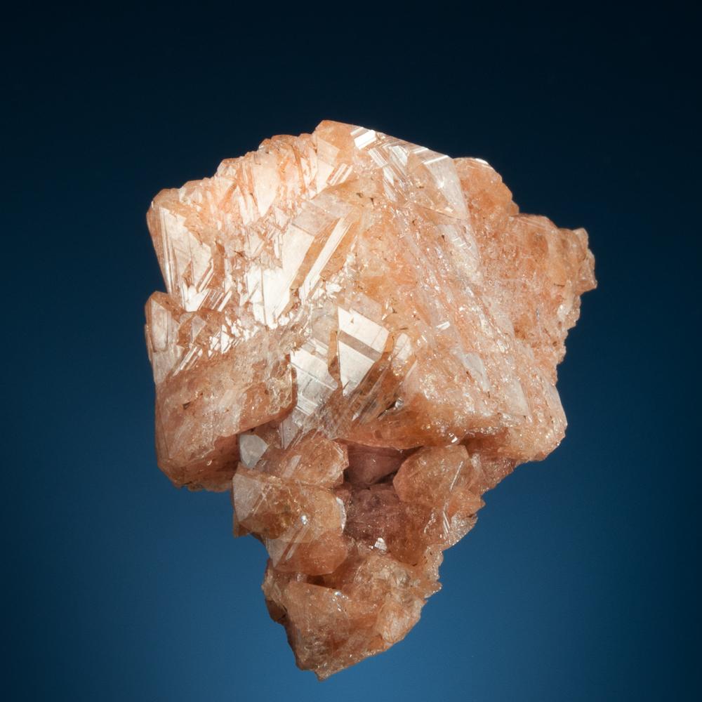 Gmelinite pseudomorph after chabazite, Five Islands, Cumberland Co., Nova Scotia