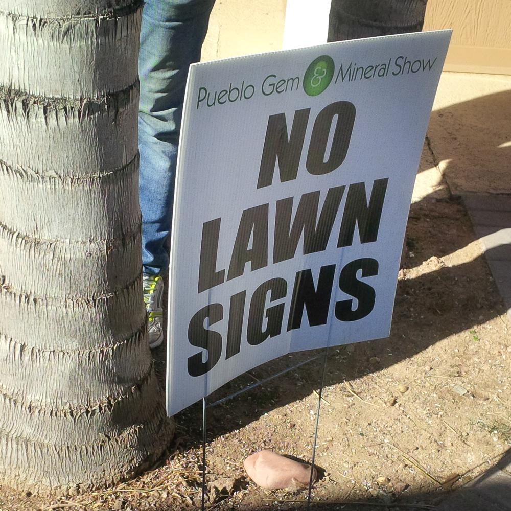 No Lawn Signs