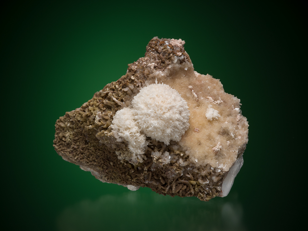 Thomsonite, Cape D'Or, Cumberland Co., Nova Scotia, George Thompson specimen, M. Bainbridge Photo