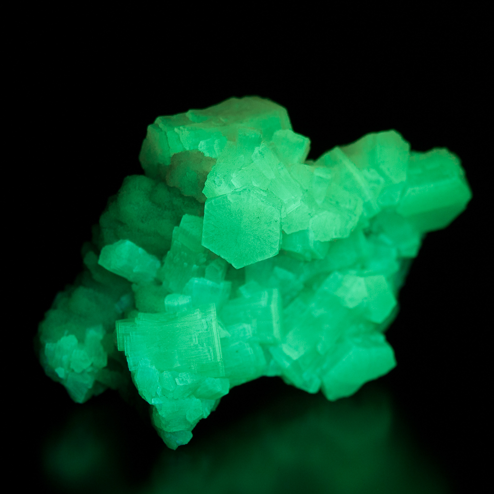 Aragonite, Giumentaro Mine, Capodarso, Enna, Sicily, Italy (phosphorescence)